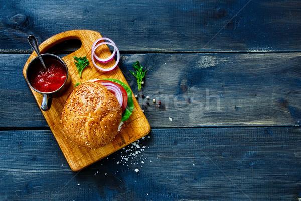 Vegan Burger sebze taze sebze karanlık rustik Stok fotoğraf © YuliyaGontar