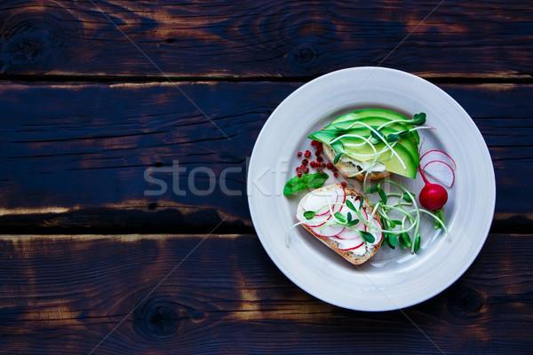 Stok fotoğraf: Vejetaryen · sandviçler · plaka · lezzetli · avokado · turp