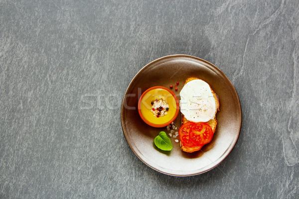 Bruschetta tojás egészséges vegetáriánus reggeli friss Stock fotó © YuliyaGontar