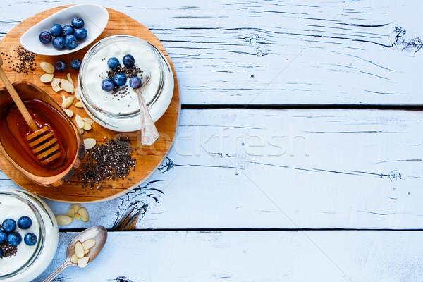 Metselaar yoghurt gezonde zaden honing vers Stockfoto © YuliyaGontar