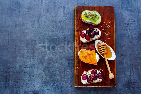 śniadanie toast sztuk górę widoku zdrowych Zdjęcia stock © YuliyaGontar