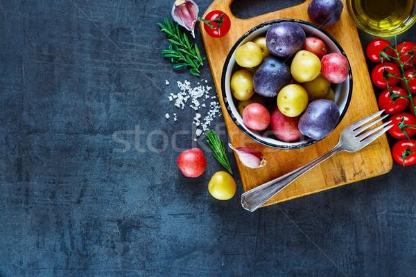 新鮮な オーガニック 野菜 ヴィンテージ まな板 ストックフォト © YuliyaGontar