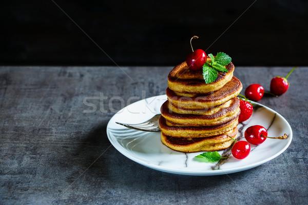Americano colazione frutti di bosco menta Foto d'archivio © YuliyaGontar