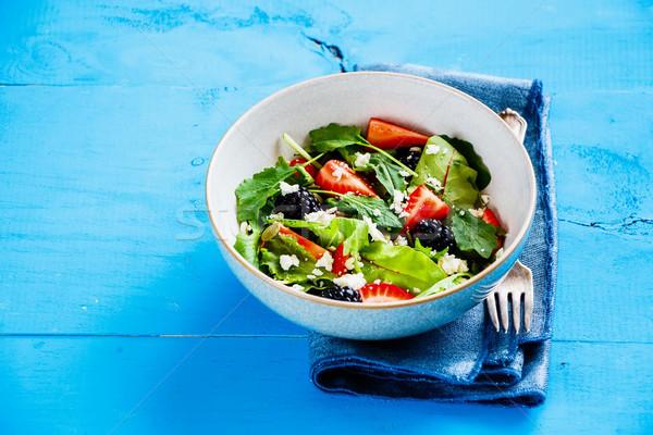 Zdjęcia stock: Truskawki · salaterki · puchar · świeże · Sałatka
