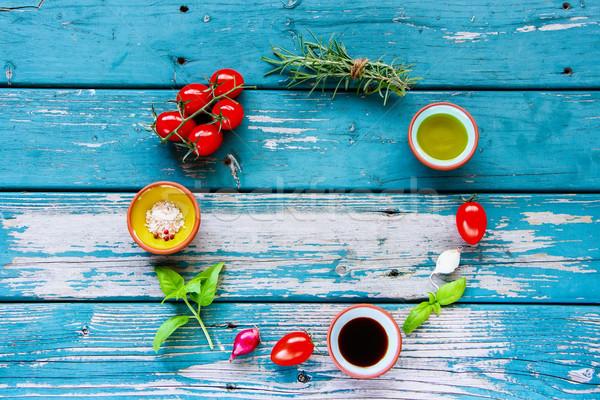 свежие органический овощей продовольствие кадр оливкового масла Сток-фото © YuliyaGontar
