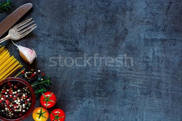 スパゲティ トマト ハーブ 暗い 金属 スペース ストックフォト © YuliyaGontar