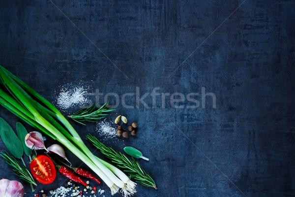 świeże organiczny warzyw młodych zielone cebule Zdjęcia stock © YuliyaGontar