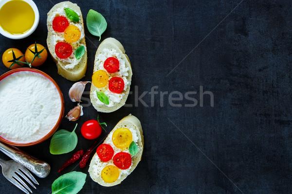 トマト バジル サンドイッチ おいしい 料理 自家製 ストックフォト © YuliyaGontar