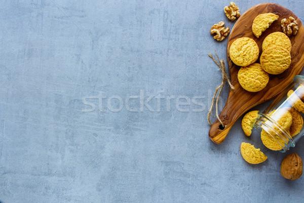 Hindistan cevizi ceviz kurabiye üst görmek lezzetli Stok fotoğraf © YuliyaGontar