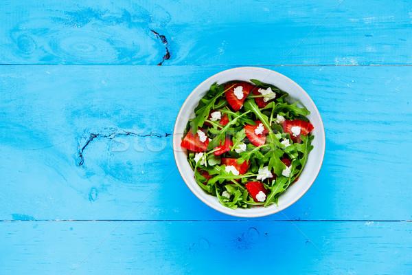 Eper fetasajt saláta friss salátástál felszolgált Stock fotó © YuliyaGontar