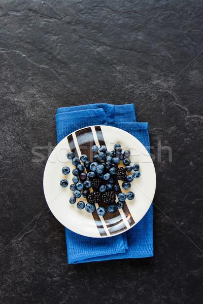 Arándano BlackBerry placa frescos orgánico negro Foto stock © YuliyaGontar