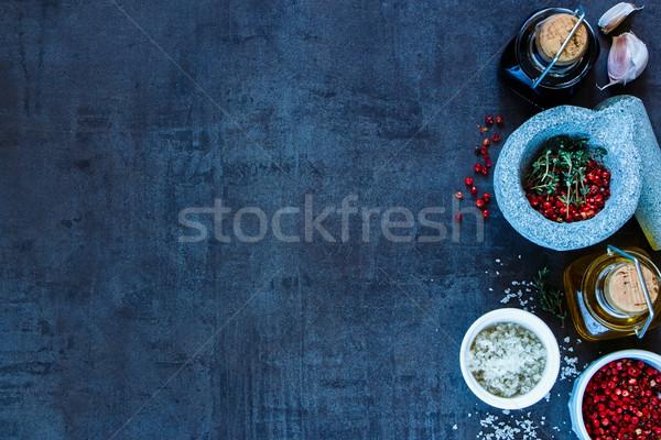 Specerijen olijfolie balsamico azijn kleurrijk donkere Stockfoto © YuliyaGontar