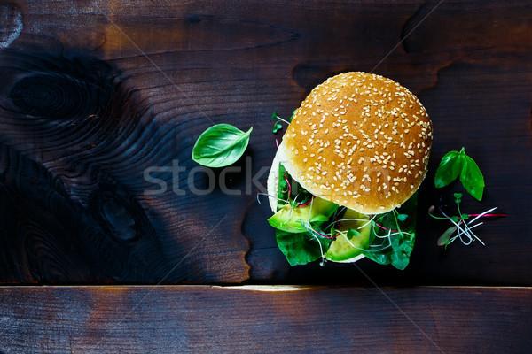 サンドイッチ 古い木材 アボカド ほうれん草 バジル 芽 ストックフォト © YuliyaGontar