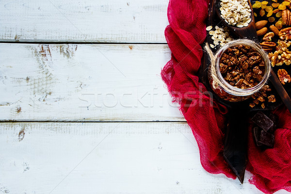 Maison chocolat granola blanche bois table de cuisine Photo stock © YuliyaGontar