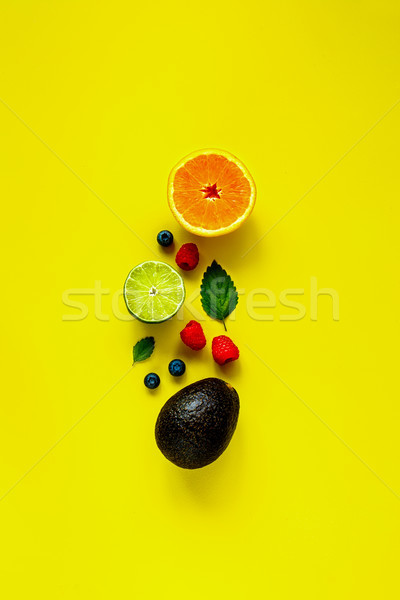 Tropicales frutas creativa disposición verano Foto stock © YuliyaGontar