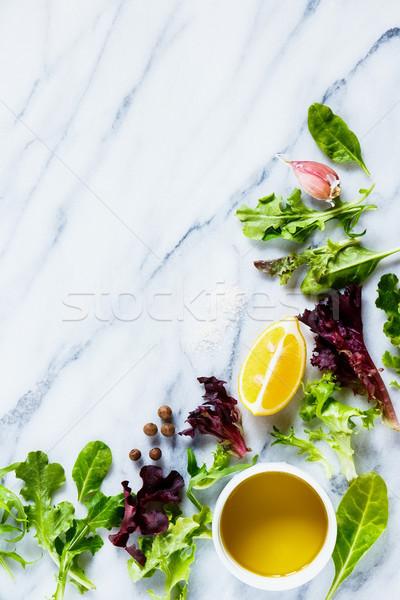 Verde hierbas ensalada alimentación saludable orgánico lechuga Foto stock © YuliyaGontar