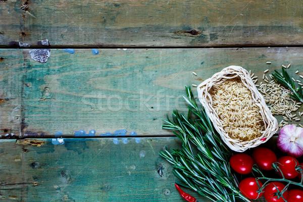 Barna rizs nyers friss zöldségek fűszer gyógynövények Stock fotó © YuliyaGontar