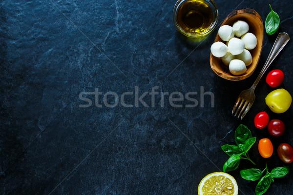 Stok fotoğraf: Caprese · salatası · malzemeler · renkli · kiraz · domates · fesleğen · mozzarella