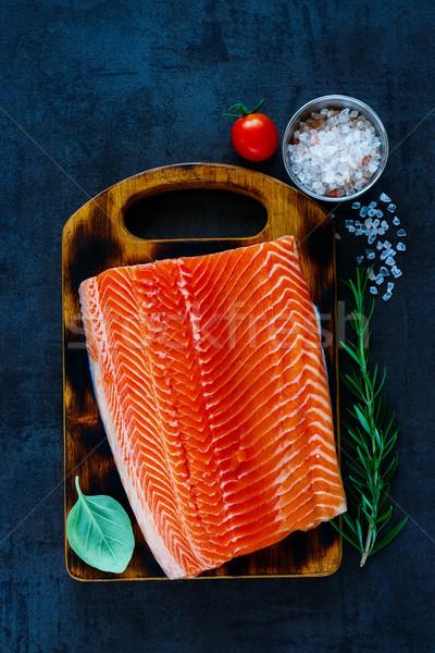 świeże łososia filet aromatyczny zioła przyprawy Zdjęcia stock © YuliyaGontar