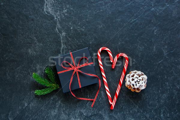 Natal dom apresentar caixa papel doce Foto stock © YuliyaGontar