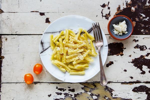 Olasz tészta olívaolaj parmezán fehér tányér Stock fotó © YuliyaGontar