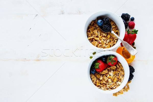 Tálak házi készítésű granola klasszikus reggeli asztal Stock fotó © YuliyaGontar