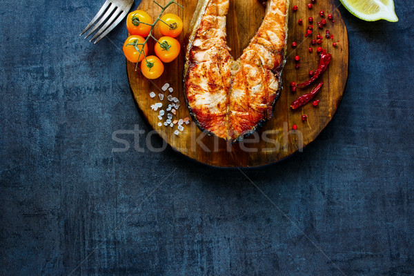 Grillezett lazac steak tengeri hal vacsora finom Stock fotó © YuliyaGontar