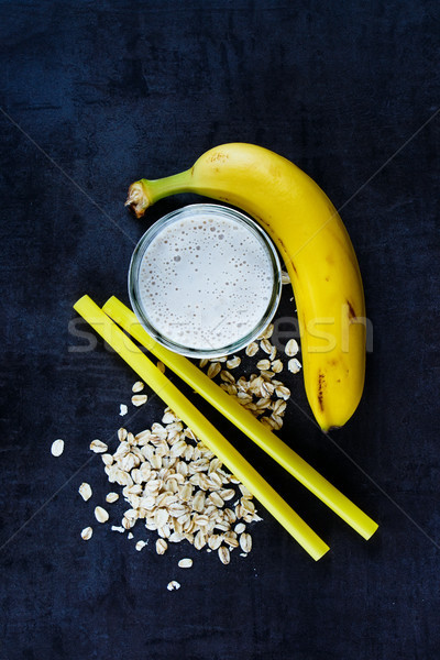 Banane smoothie avoine haut vue Photo stock © YuliyaGontar