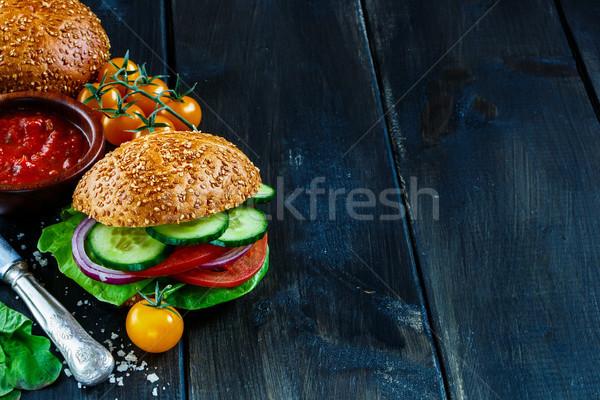 Stock fotó: Vegan · hamburger · zöldségek · frissen · sötét · rusztikus