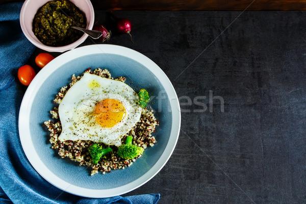 Brokoli yumurta çanak taze vejetaryen kahvaltı Stok fotoğraf © YuliyaGontar