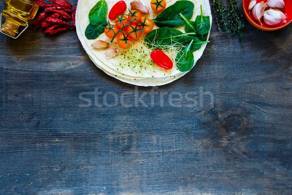 Legumes rural mesa de madeira tacos Foto stock © YuliyaGontar
