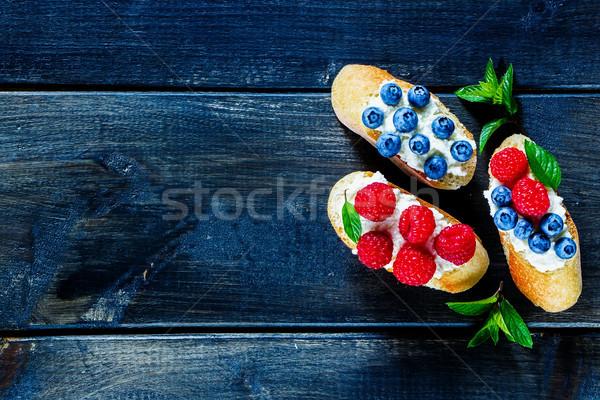 десерта Бутерброды Ягоды свежие черника Сток-фото © YuliyaGontar