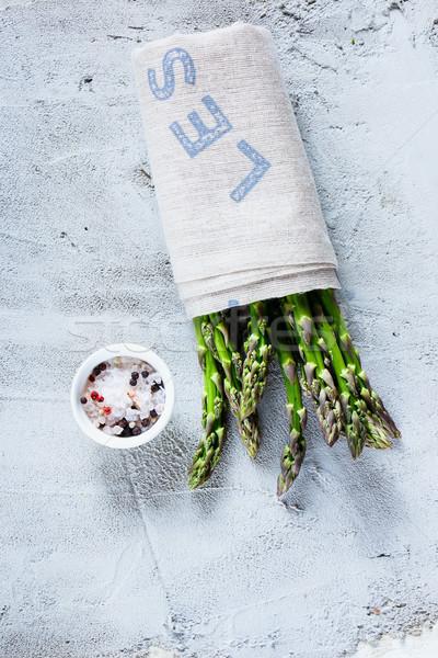 Zielone świeże szparagów zdrowych organiczny Zdjęcia stock © YuliyaGontar