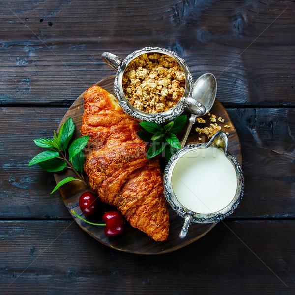 гранола круассан Вишневое завтрак Сток-фото © YuliyaGontar