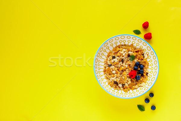 ミューズリー 液果類 ボウル 新鮮な ミント 葉 ストックフォト © YuliyaGontar