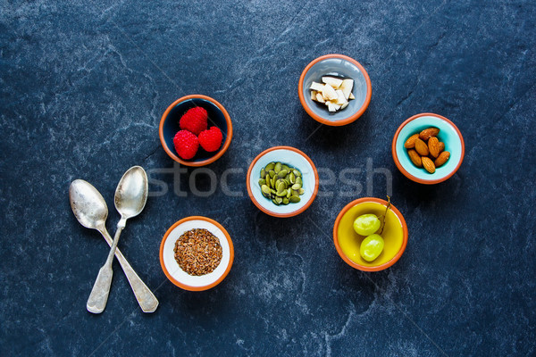 Stock fotó: Egészséges · reggeli · hozzávalók · különböző · zöld · szőlő · diók