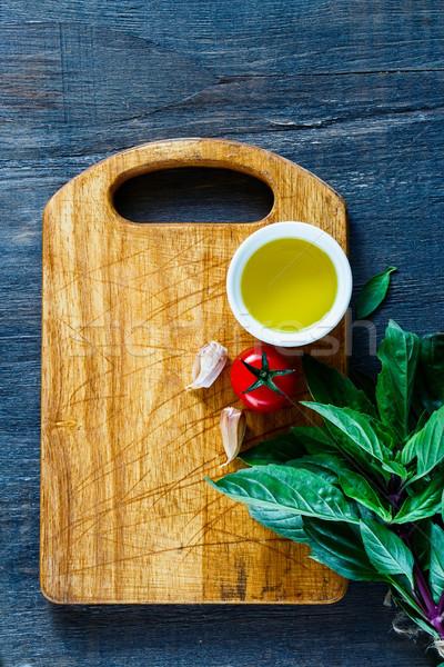 Comida vegetariana cocina frescos tailandés albahaca tomates Foto stock © YuliyaGontar