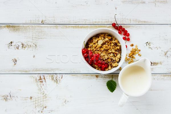 Kahvaltı tablo ahşap mutfak masası sağlıklı yulaf Stok fotoğraf © YuliyaGontar