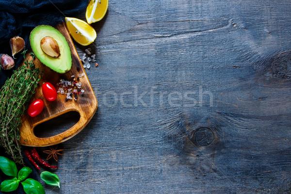 Ingrédients salade table de cuisine fraîches Photo stock © YuliyaGontar