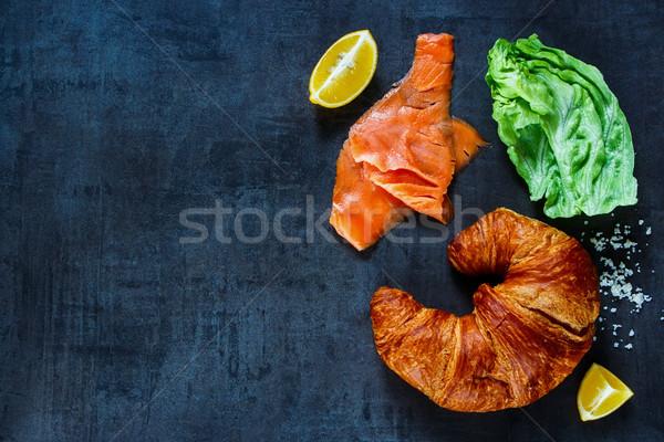 Sanduíche ingredientes vermelho peixe escuro Foto stock © YuliyaGontar