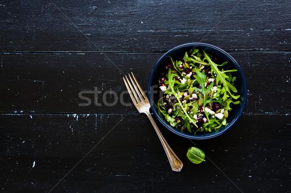 Burak salaterki wiosną Sałatka Zdjęcia stock © YuliyaGontar