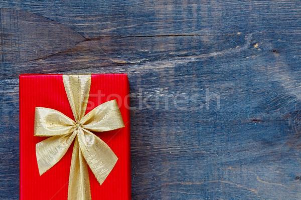 Vintage caixa de presente férias vermelho fundo Foto stock © YuliyaGontar