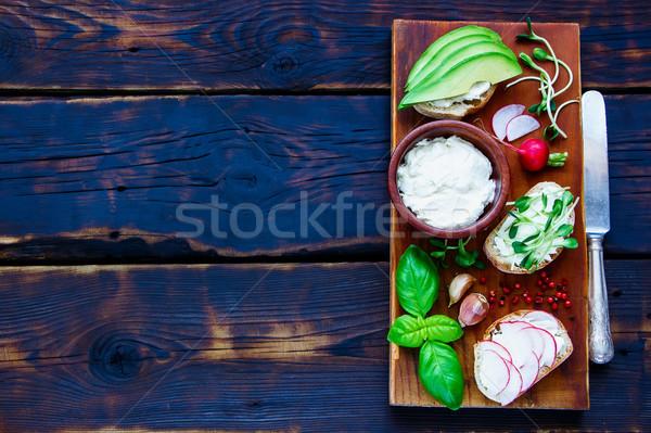Stok fotoğraf: Vejetaryen · sandviçler · sağlıklı · avokado · turp · krem