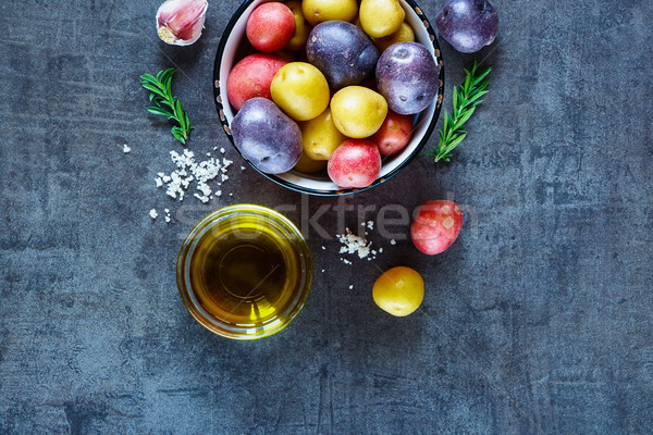 Fresh organic vegetables Stock photo © YuliyaGontar