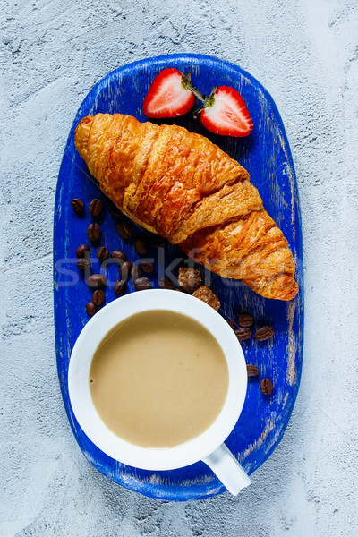 Ontbijt ingesteld Blauw koffiekopje vers Stockfoto © YuliyaGontar
