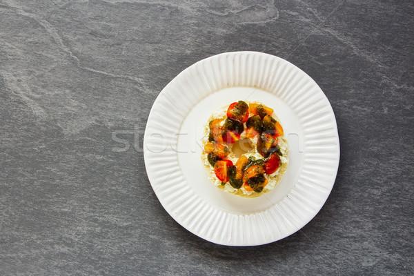 Pesto sos bruschetta peynir kiraz domates simit Stok fotoğraf © YuliyaGontar