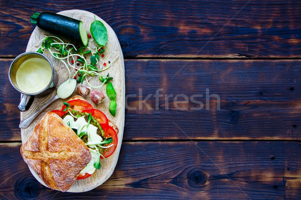 Finom vegan hamburger közelkép cukkini paradicsomok Stock fotó © YuliyaGontar