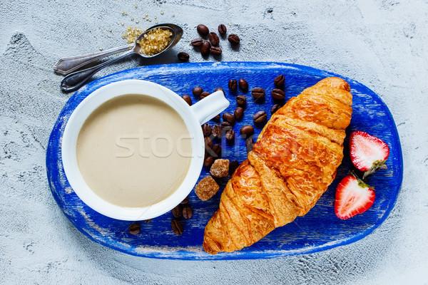 Ontbijt ingesteld top koffiekopje vers Stockfoto © YuliyaGontar