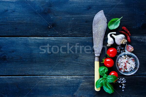 Frischem Gemüse Würze Jahrgang Küche Messer Kochen Stock foto © YuliyaGontar