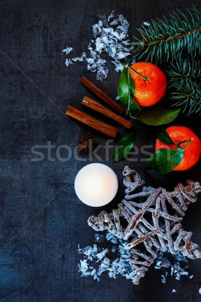 クリスマス ヴィンテージ タンジェリン シナモン キャンドル 暗い ストックフォト © YuliyaGontar